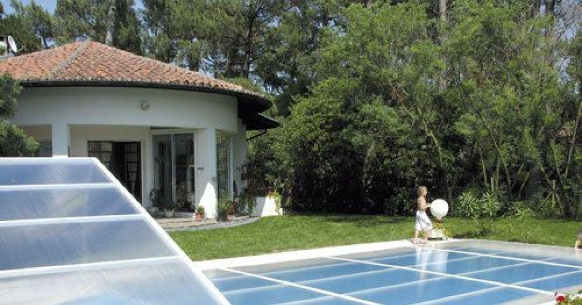 Galerie photos d 39 abris de piscine plats pour s curiser for Abri de piscine espagne