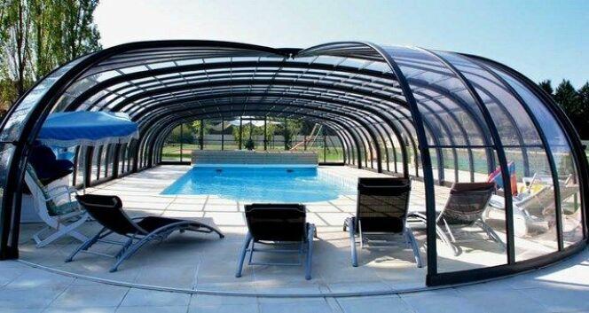 "Abri de piscine rotonde<span class=""normal italic petit"">© Sesame</span>"
