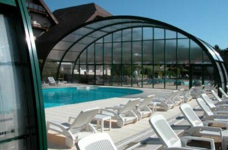 "Abri de piscine télescopique Arqualand<span class=""normal italic petit"">© Arqualand</span>"