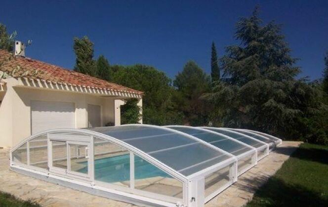 Abri de piscine télescopique en aluminium Sun Abris © Sun Abris