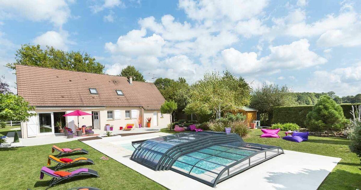 La marque rideau pr sente ses nouveaux abris de piscine for Marque piscine
