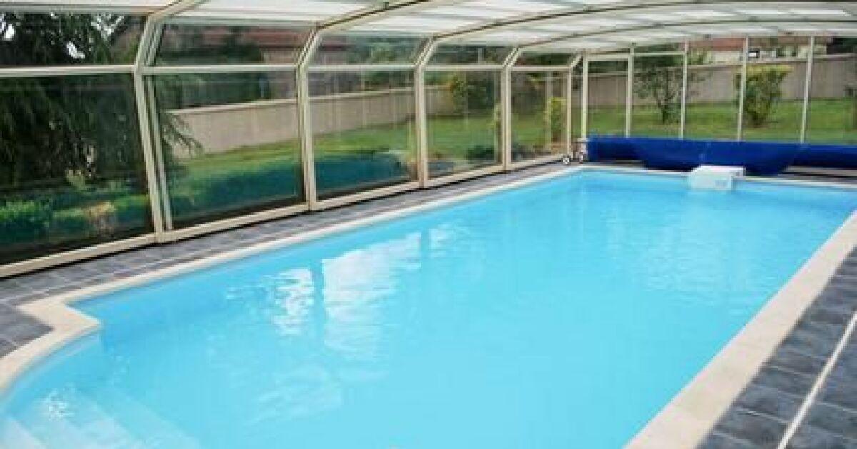 abri de piscine les diff rents mat riaux abri bois alu. Black Bedroom Furniture Sets. Home Design Ideas