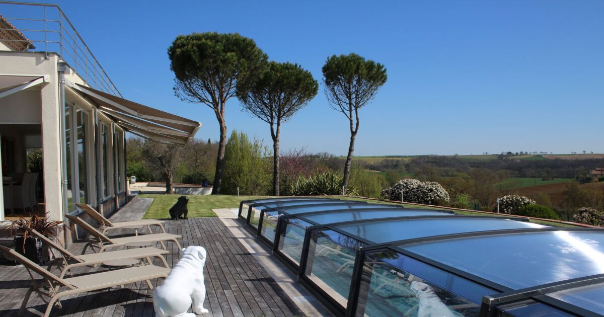 Azenco poursuit sa croissance en europe for Abri piscine azenco