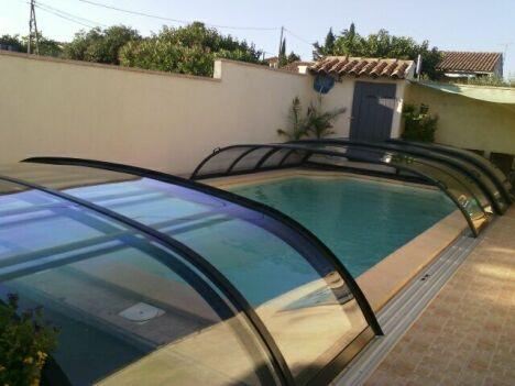 Abri de piscine télescopique bas couleur anthracite