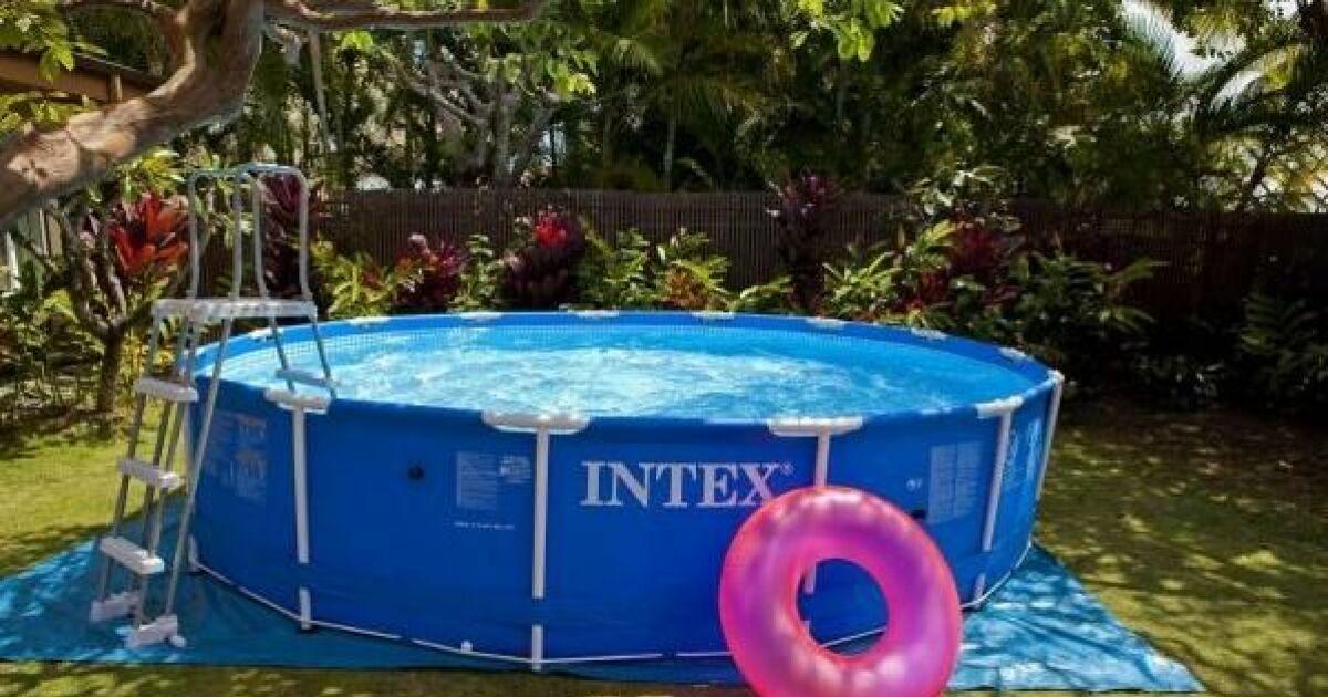 Abri pour piscines tubulaires et gonflables for Abri piscine intex