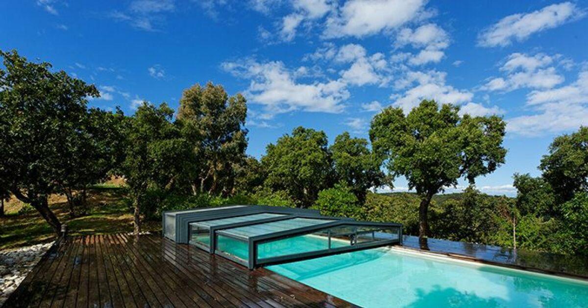 Les 27 piscines prim es aux troph es de la piscine 2015 for Abri de piscine sokool
