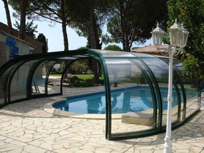 Reportage photos abris et couverture de piscine for Piscine aluminium
