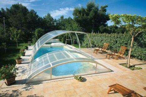 """Abridéal, fabricant français d'abris de piscine<span class=""""normal italic"""">© Abridéal</span>"""