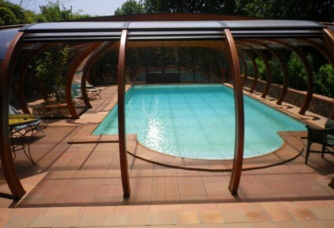 Abris de piscine en bois lamell coll arcabri for Abri piscine bois