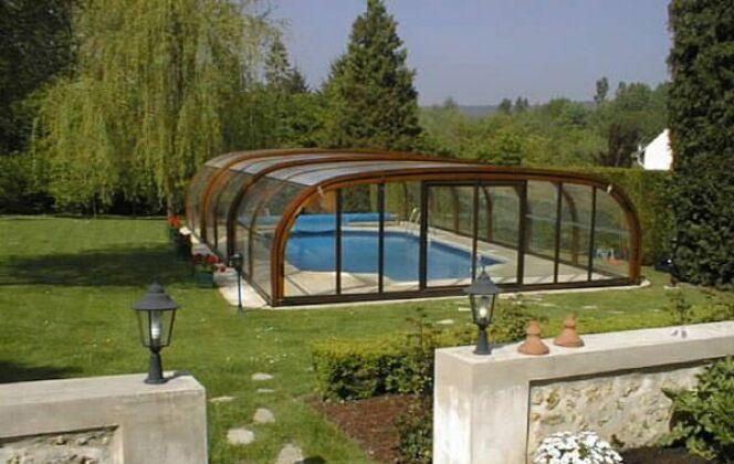 Abris de piscine haut en bois Sun Abris © Sun Abris