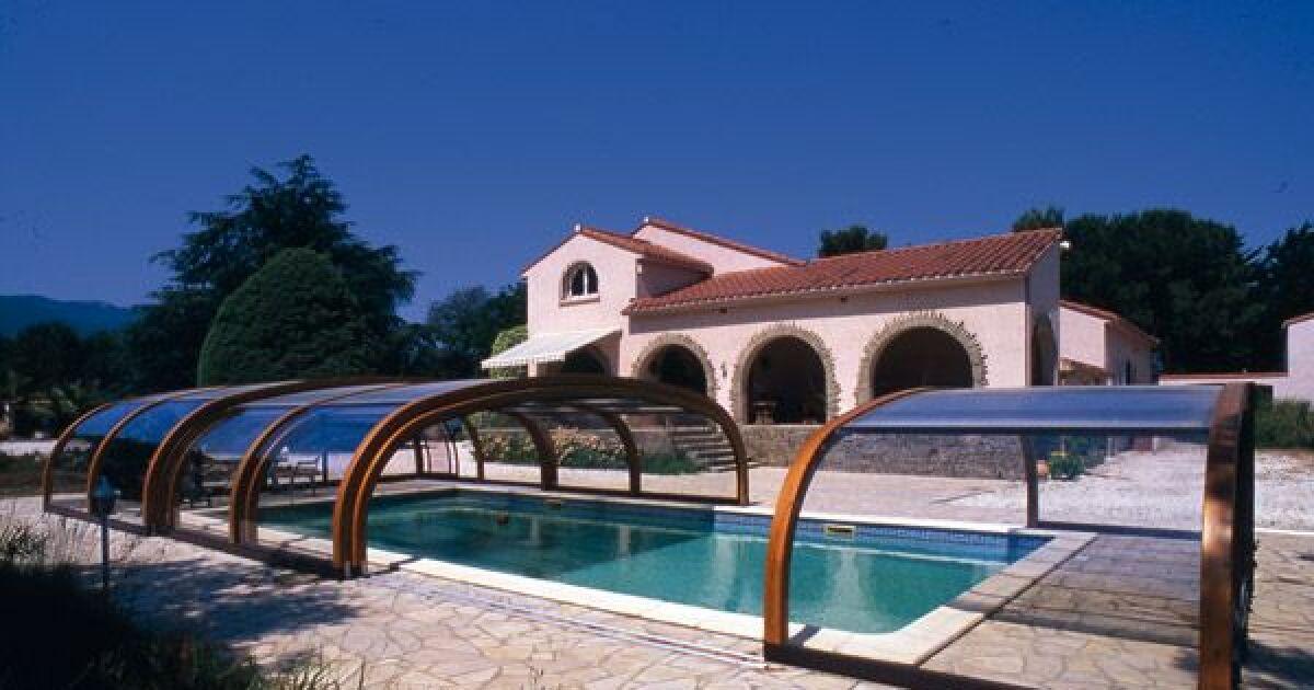 reportage photos abris de piscines en bois abris de piscine mi haut en bois sun abris photo 10. Black Bedroom Furniture Sets. Home Design Ideas