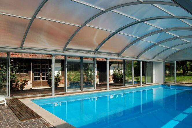 Photos abris de piscine spacieux abris de piscine grand for Abri de piscine pop up