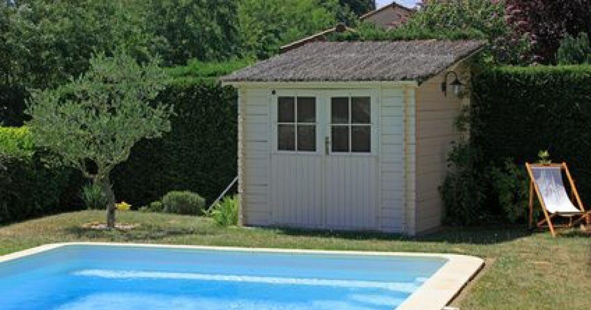 Abris et chalets de jardin for Abri filtration piscine