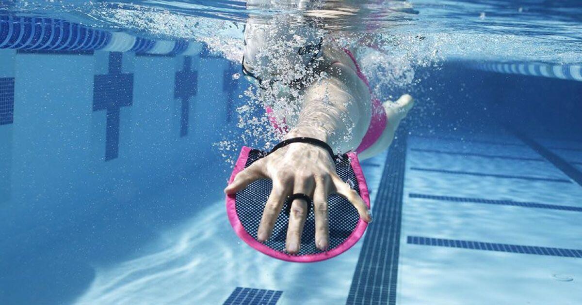 Dossier accessoires de nage on a test les produits arena for Accessoire nage piscine