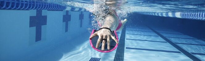 """Accessoires de nage : on a testé les produits Arena<span class=""""normal italic petit"""">© Arena</span>"""