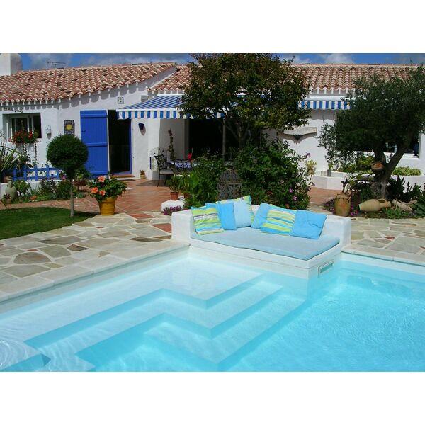 Dossier accessoires pour le nettoyage de votre piscine for Accessoire piscine 44