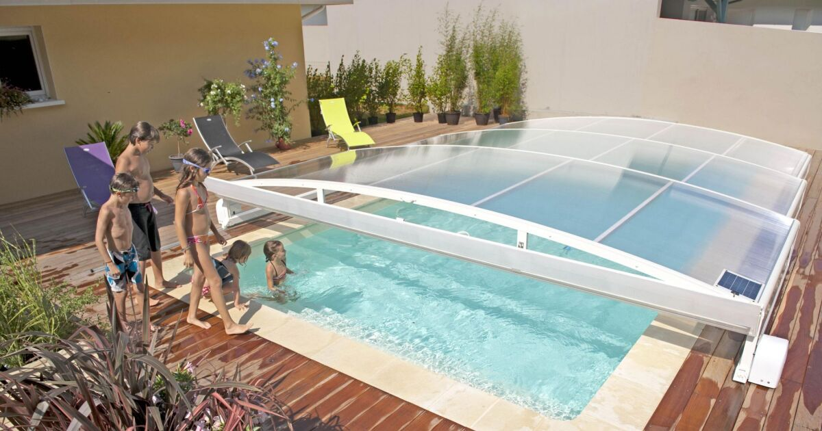 Acheter un abri de piscine tout ce que vous devez savoir for Piscine a acheter