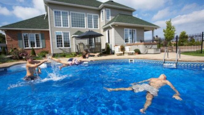 une maison avec piscine - A Quoi Faire Attention Quand On Achete Une Maison