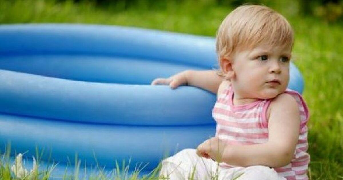 acheter une piscine pour b b les bassins adapt s. Black Bedroom Furniture Sets. Home Design Ideas