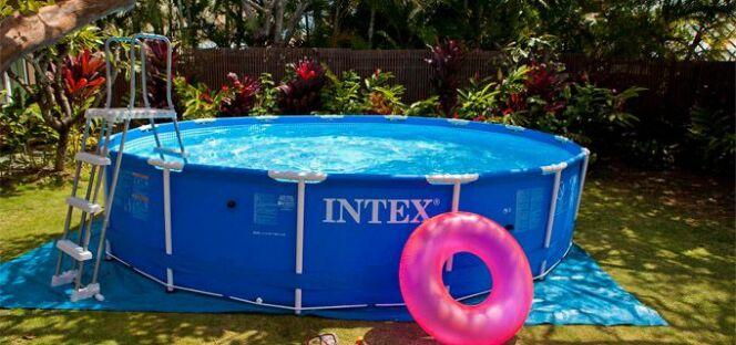 """Acheter une piscine tubulaire pas chère<span class=""""normal italic petit"""">© Intex</span>"""