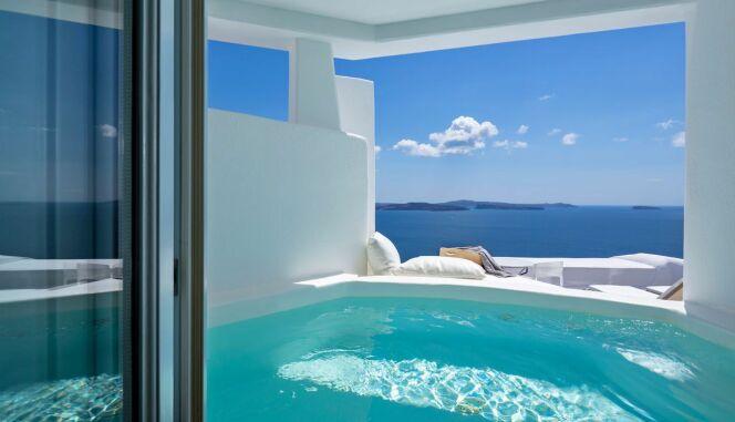 Admirer la vue depuis l'une des suites de luxe de l'hôtel