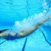 Affiner les cuisses avec la natation