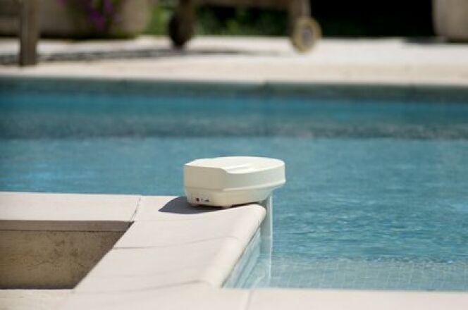 """alarme piscine homologuée<span class=""""normal italic petit"""">© Fotolia</span>"""