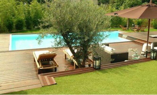 """Allées de jardin <span class=""""normal italic petit"""">© L'Esprit piscine</span>"""