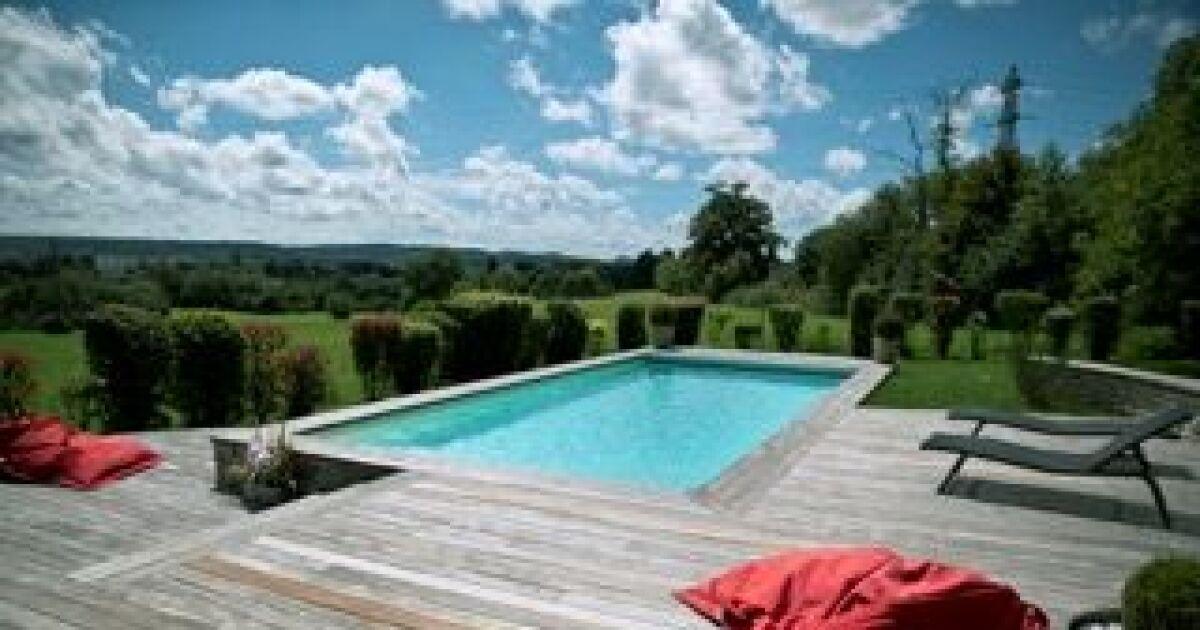 guide-piscine.fr/medias/image/allier-paysage-a-chaucenne-piscine-enterree-terasse-bois-13594-1200-630.jpg