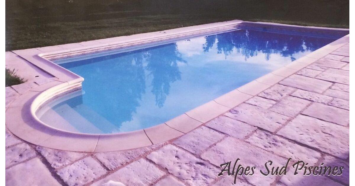 Alpes sud piscines laragne monteglin pisciniste for Piscine 05