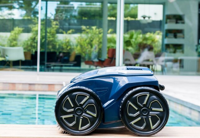ALPHA iQ™ : un robot de piscine hautes performances par Zodiac®
