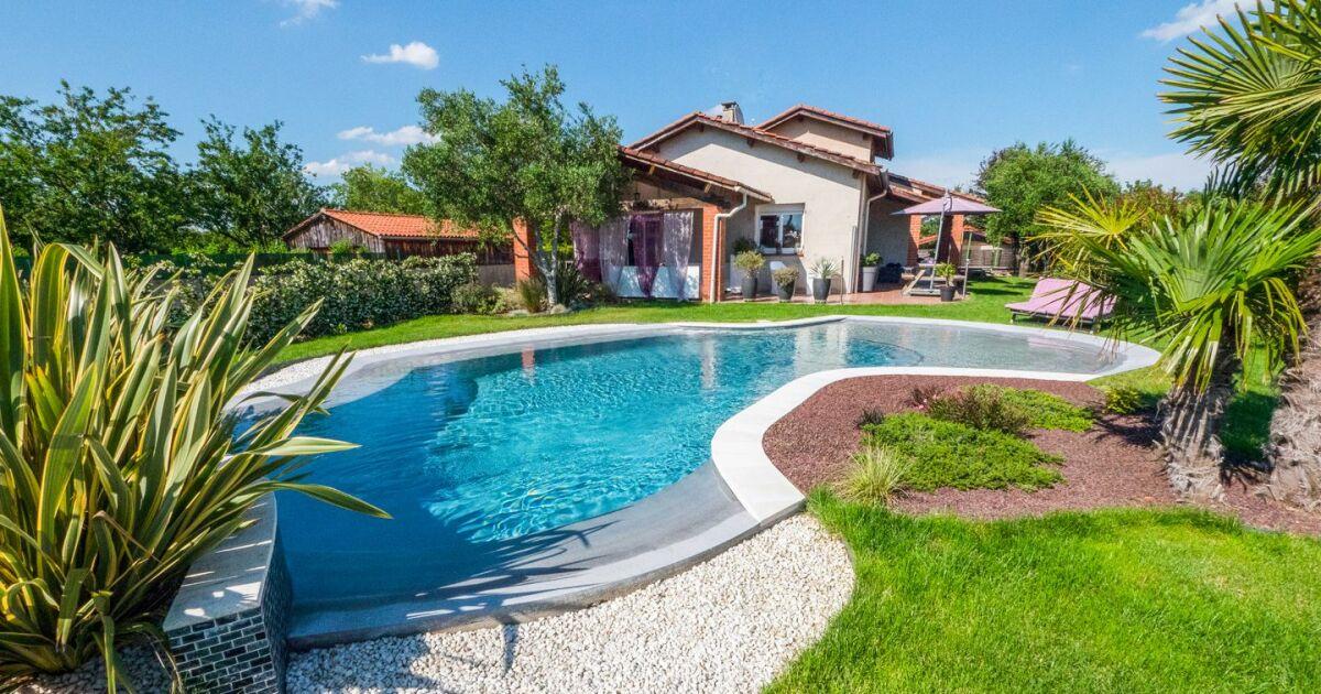 photos d 39 am nagement de jardin avec piscine am nagement de jardin avec une piscine. Black Bedroom Furniture Sets. Home Design Ideas