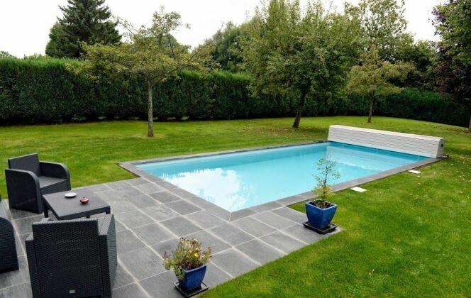 Aménagement de jardin avec une piscine © Piscines de France