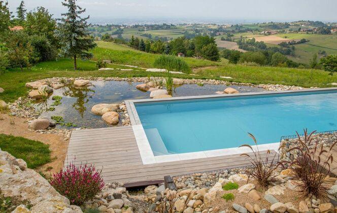 Aménagement de piscine paysagée © Photo : Sarah Chambon / L'Esprit Piscine
