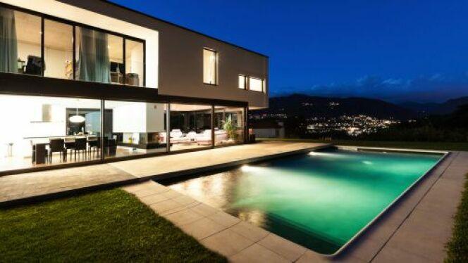 Les ampoules LED pour un éclairage de piscine économique
