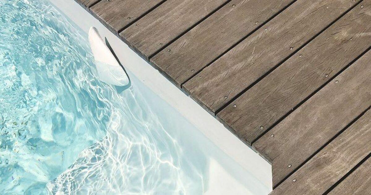 Consultez les param tres de votre piscine en temps r el for Traitement d eau piscine