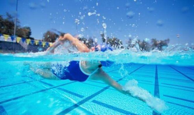 "Apprendre à nager<span class=""normal italic petit"">DR</span>"