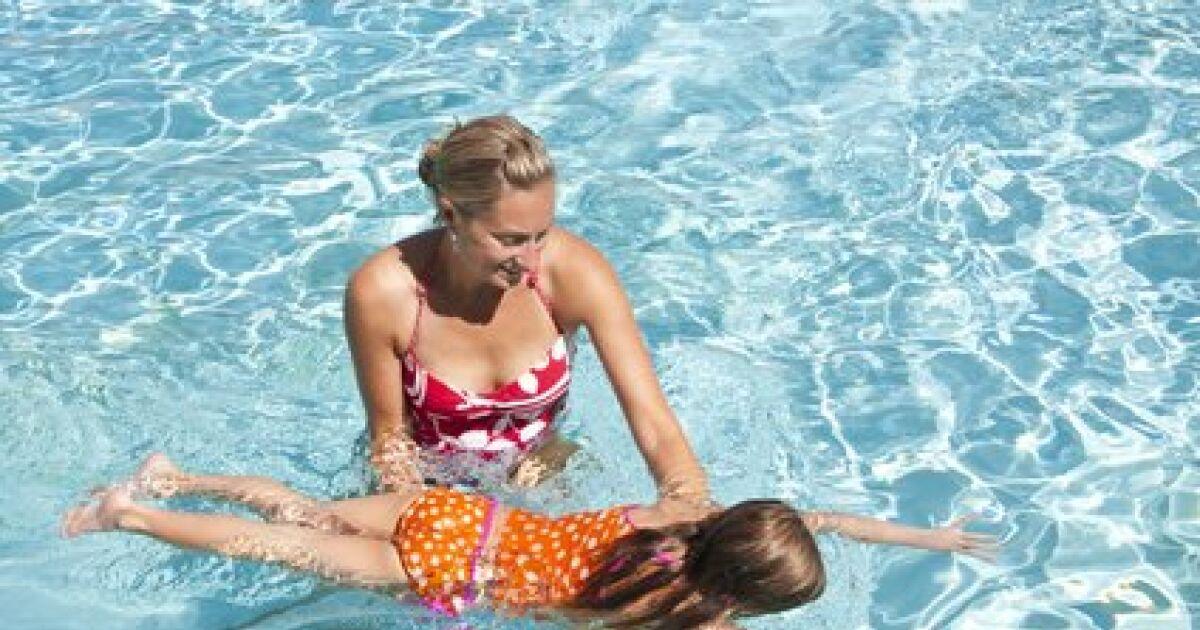 comment apprendre a nager a son fils