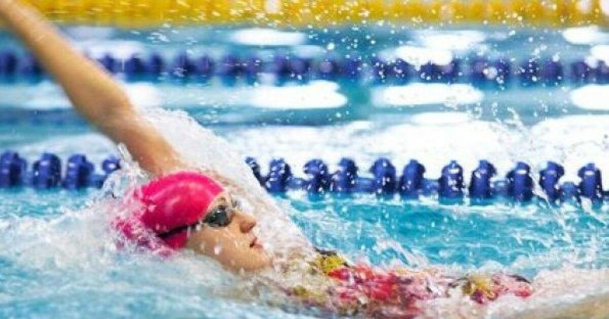 Apprendre nager le dos ou dos crawl guide pratique for Piscine pour apprendre a nager