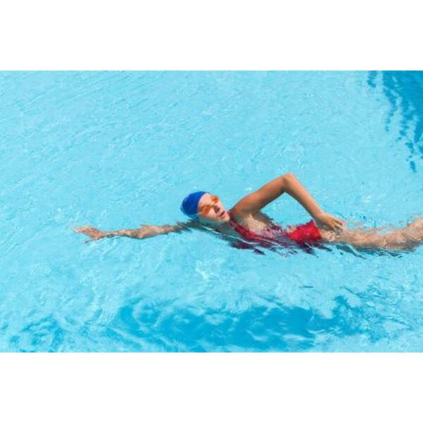 Apprendre nager quelques conseils avant de prendre des for Apprendre a plonger dans une piscine