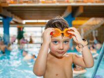 Apprendre à plonger à un enfant : des exercices pas à pas