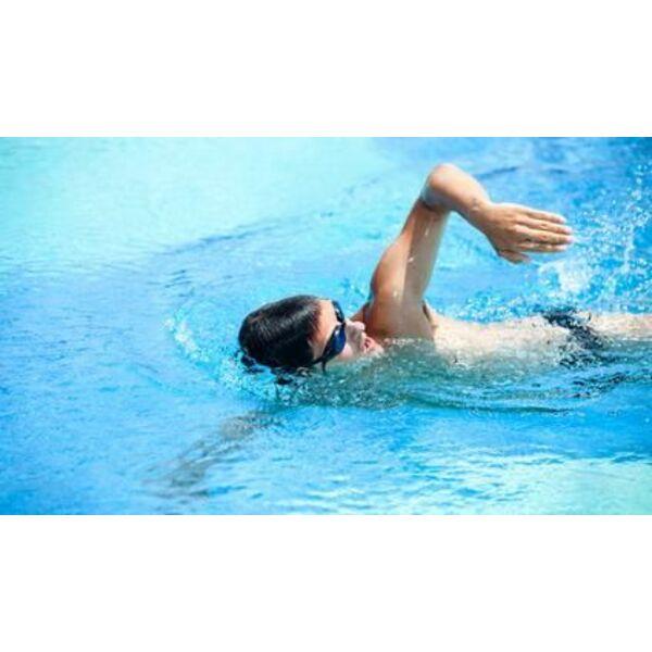 Apprendre le crawl techniques de nage for Piscine pour apprendre a nager