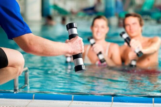 "L'aqua-fitness : une variante tonique de l'aquagym  <span class=""normal italic petit"">© kzenon - Thinkstock</span>"