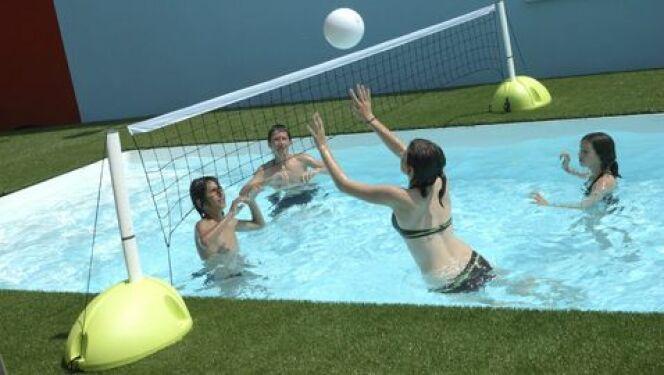 "Aqua volley<span class=""normal italic petit"">© Desjoyaux</span>"