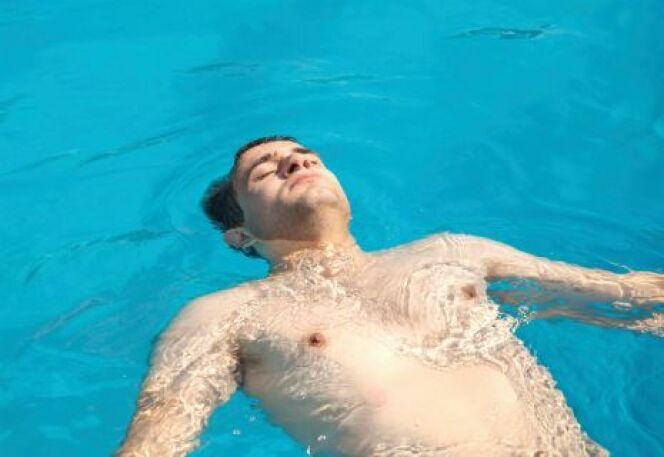 "Aquaphobie : vaincre sa peur de l'eau<span class=""normal italic petit"">© palinchakjr - Thinkstock</span>"