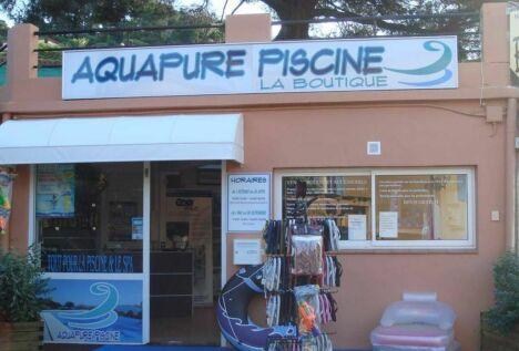 "Aquapure Piscine à Les Issambres<span class=""normal italic petit"">© Aquapure Piscine à Les Issambres</span>"