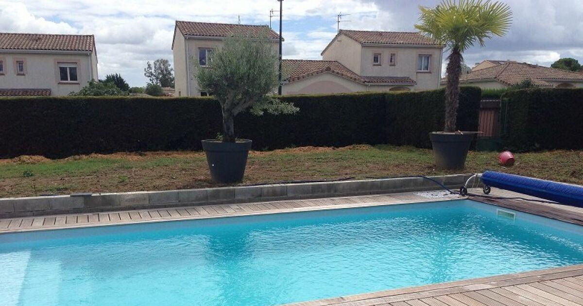 Aquarenov 39 piscines penne d 39 agenais penne d 39 agenais for Construction piscine lot