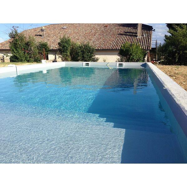 Aquarenov 39 piscines penne d 39 agenais penne d 39 agenais for Accessoire piscine professionnel