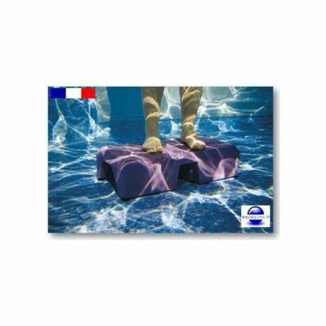 """Aquastep économique pour la piscine par Aquagyms<span class=""""normal italic petit"""">© Aquagyms</span>"""