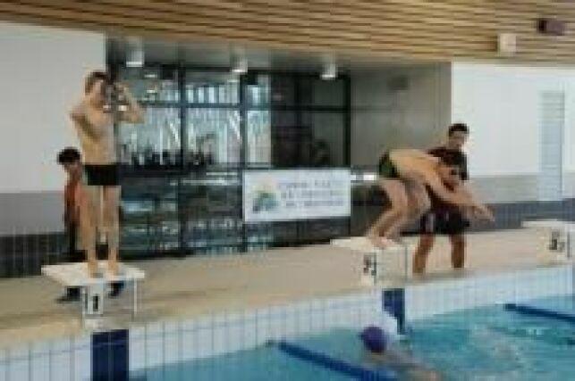 Aquatic et Bowling Center à Marconne : le bassin sportif